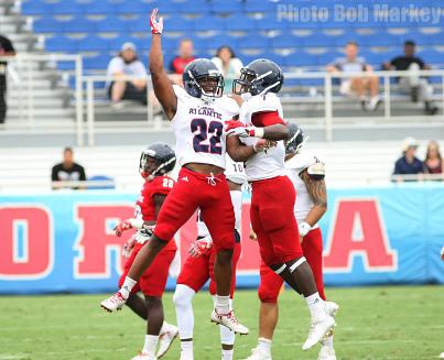 Defense Dominant In 2017 Fau Spring Game Fau Owl S Nest